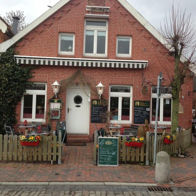 Holländisches Cafe am Hafen