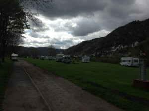 Stellplatz Enkirch, entlang der Mosel