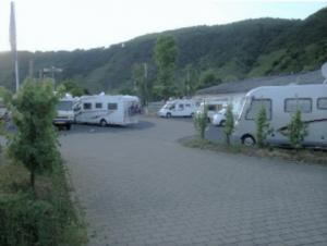 Stellplatz in den Weinbergen in Ernst nah bei Cochem
