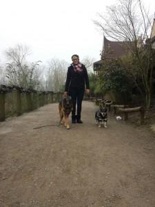 Nano ( der Hund meiner besten Freundin) , Milla und ich :-) im ZOOM