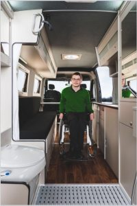 Der Womondo Agilo lässt auch Rolli Fahrer touren