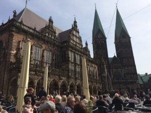 Kaffeetrinken mit super Kulisse... Rathhaus Bremen