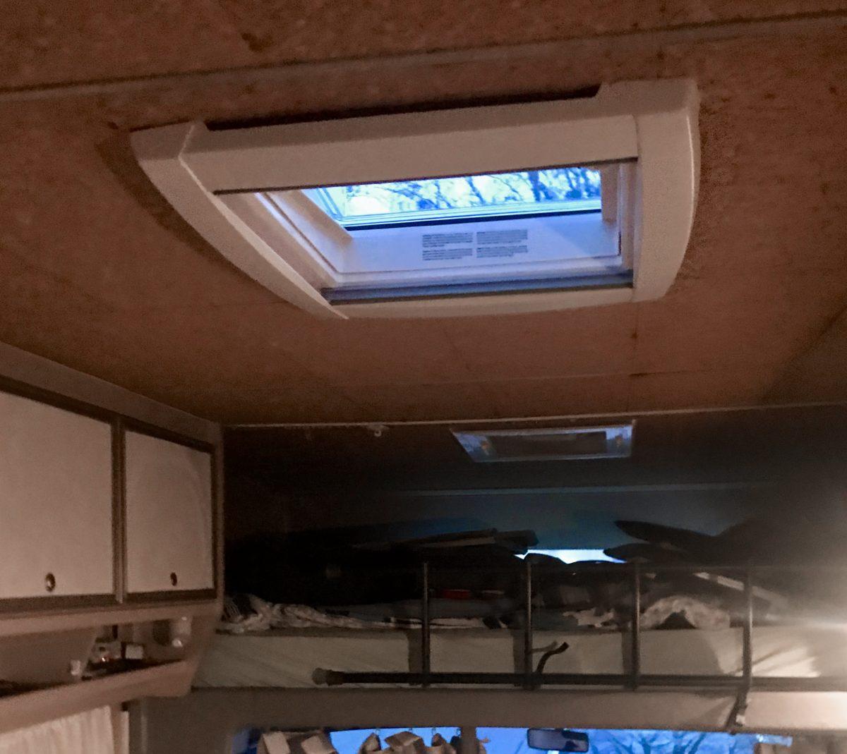 Einbau neue Dachheki Wohnmobil