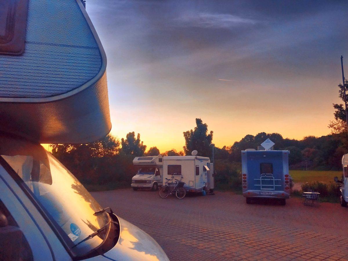Horror Stau, Camping Beginner und der Abend danach