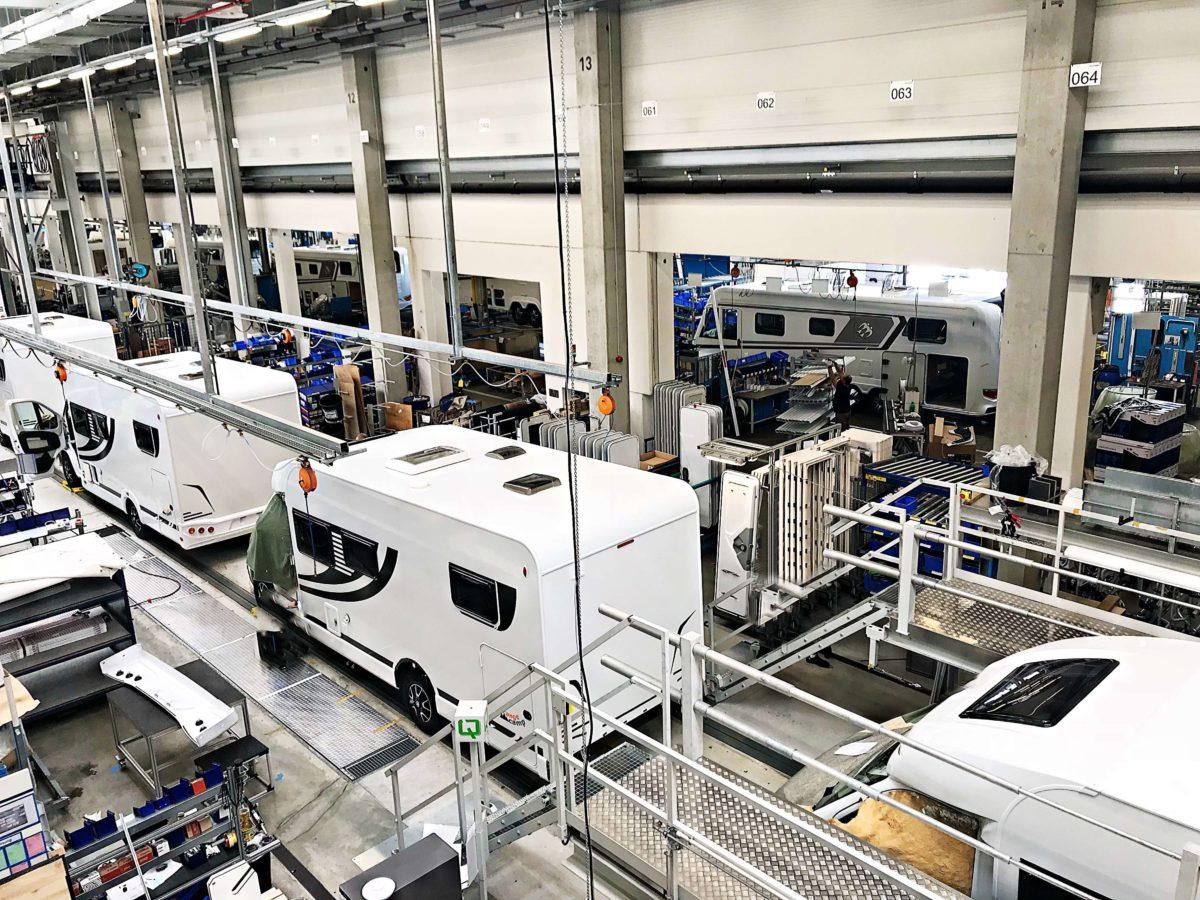 So werden Reisemobile professionell produziert, ein Blick hinter die Kulissen von Knaus Tabbert.