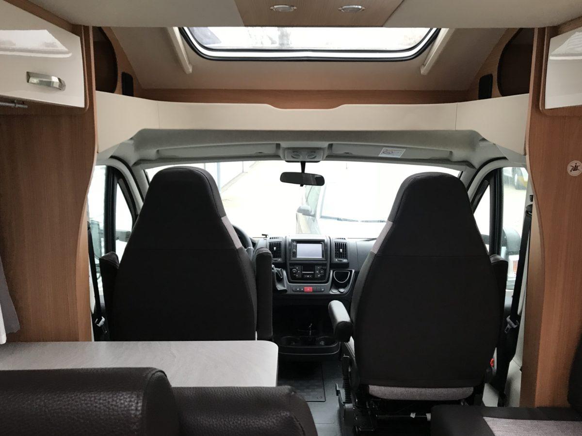 Fahrerraum OrangeCamp Wohnmobil