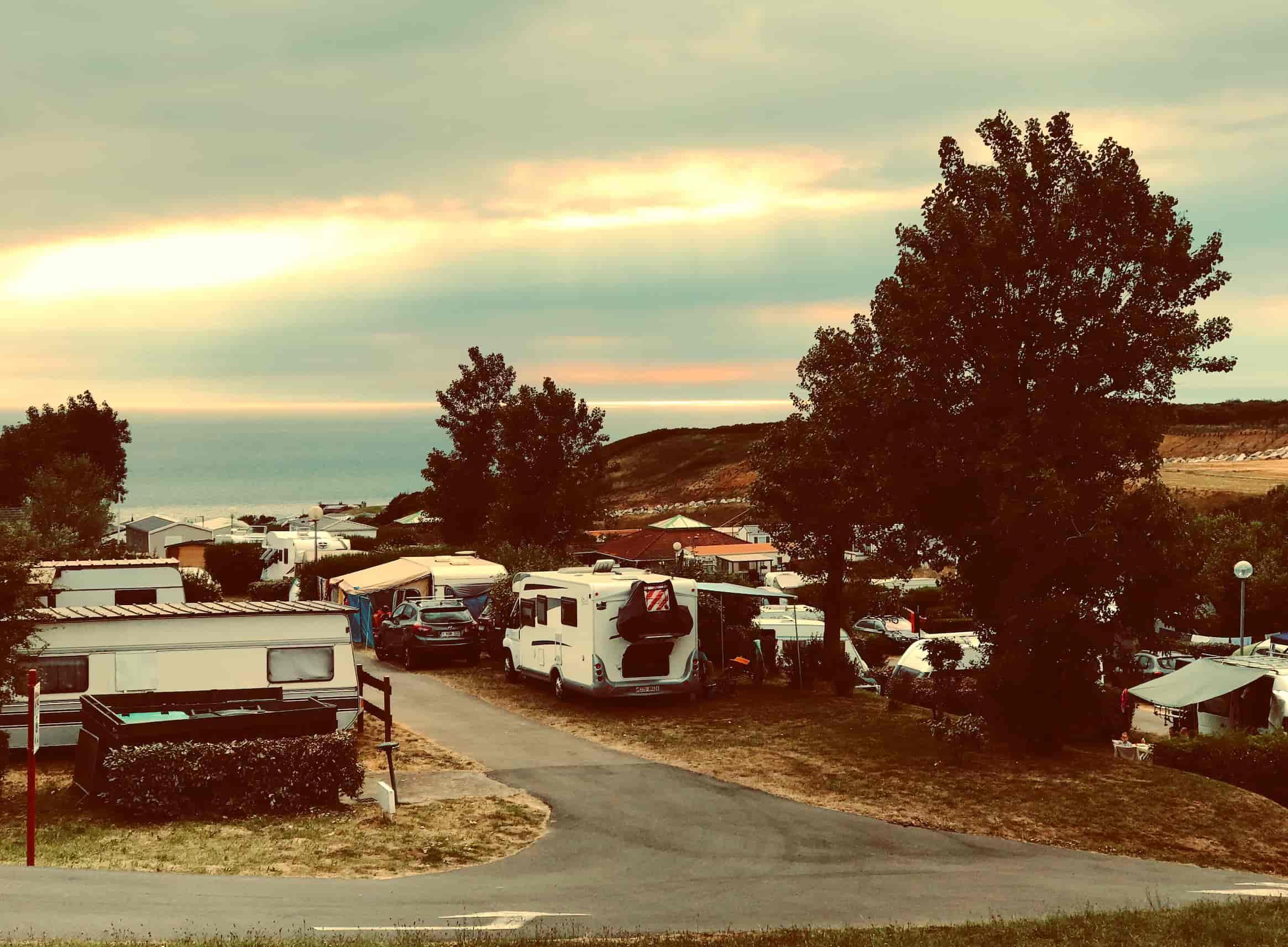 Blick über den Campingplatz in Equihen Plage