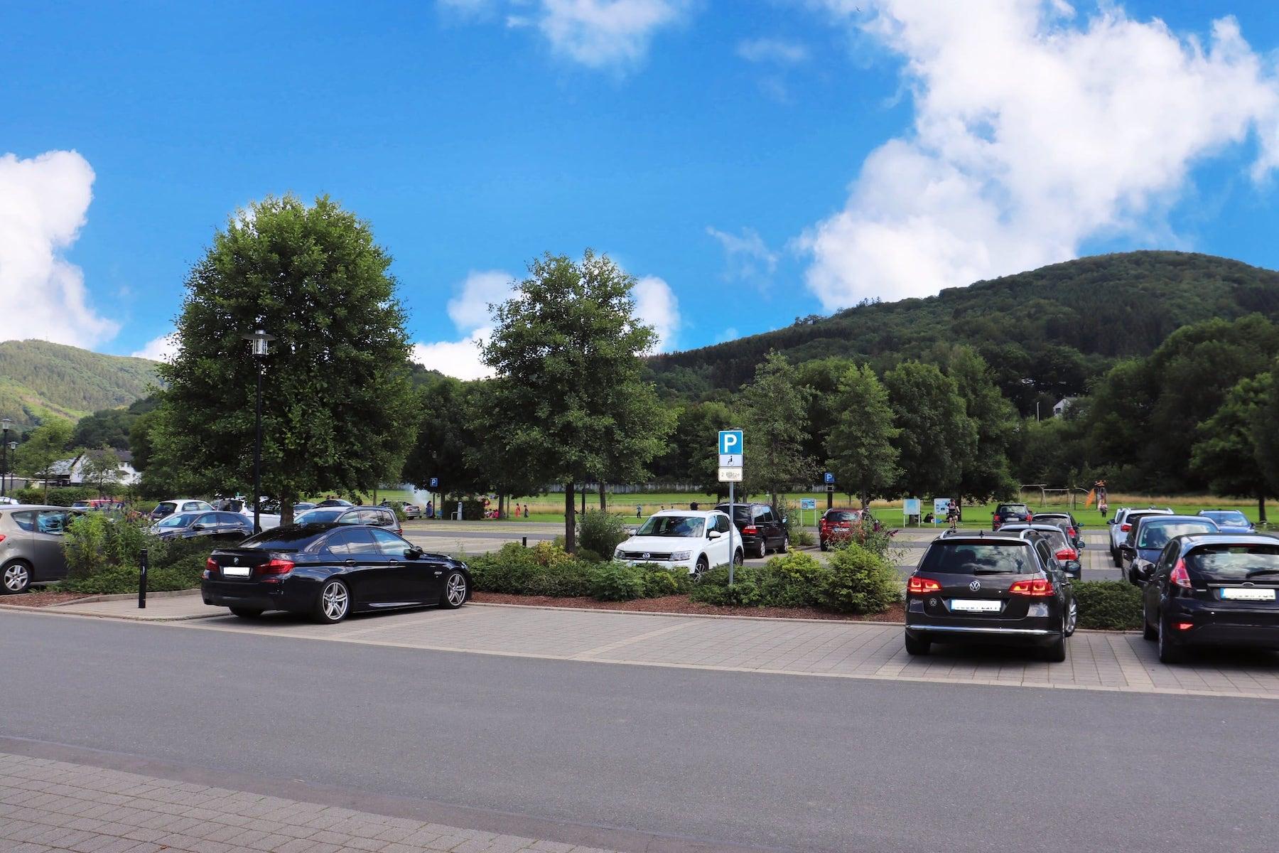 Stellplatz oder Parkplatz für Wohnmobile