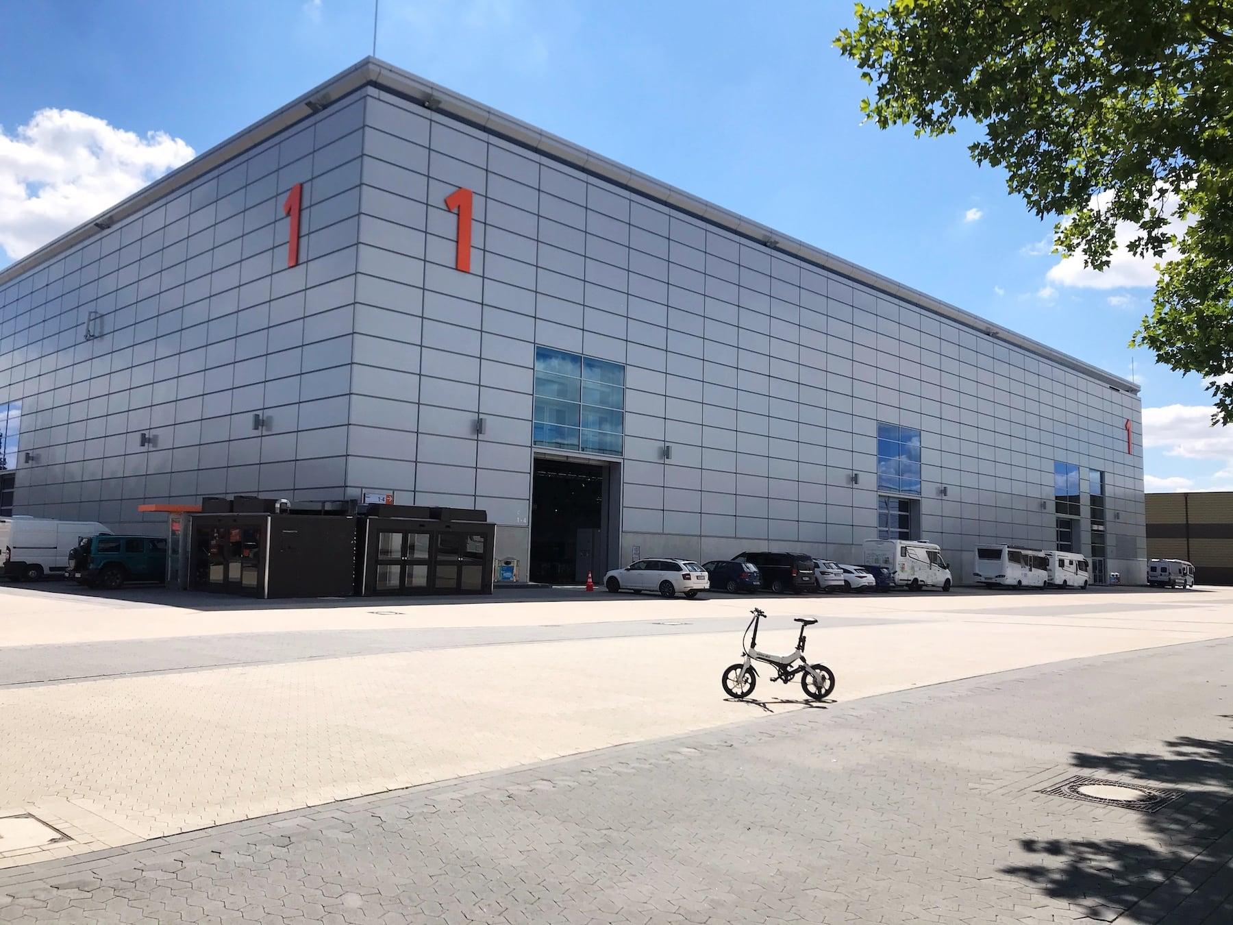 Jaaaaa, mir san mit'm Radel da... Neue Halle 1 Messe Düsseldorf