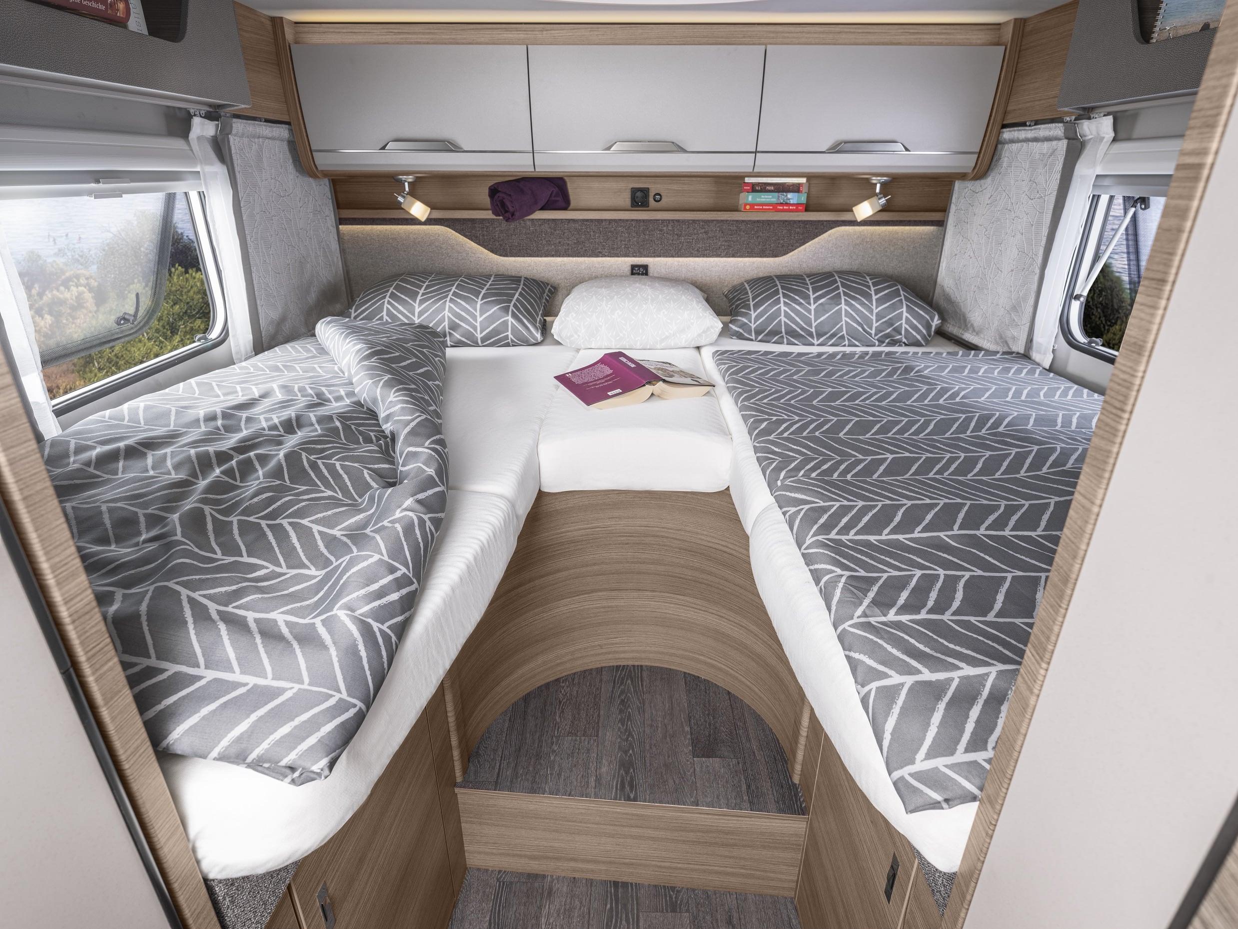 Extra lange Betten im VAN TI 2021 - Knaus Tabbert Gruppe