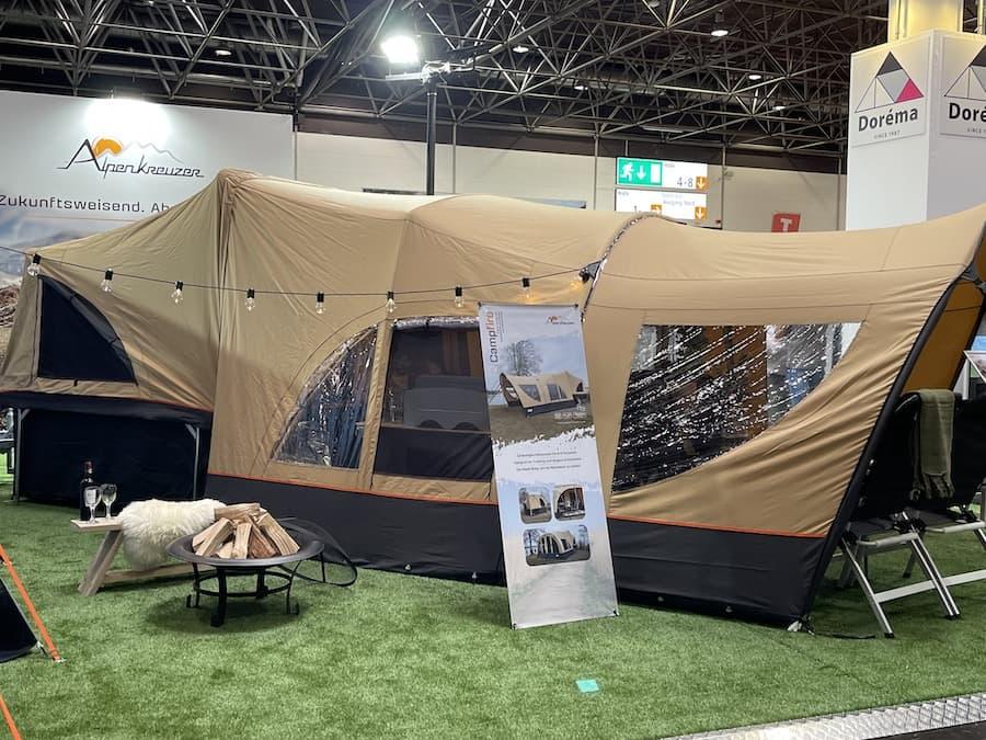 Camping mit dem Klappzelt/ Klappcaravan
